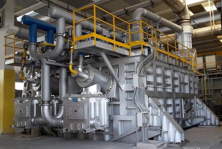 Aluminium melting furnace tilting 80 ton regenerative burner